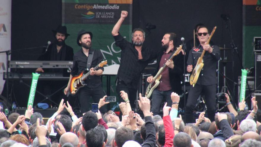 Un momento de la actuación este sábado en Los Llanos. Foto: JOSÉ AYUT