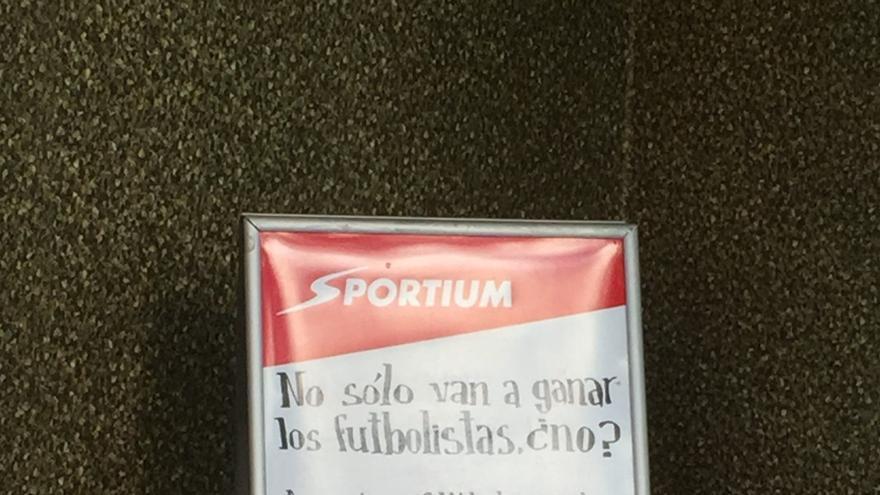 Uno de los anuncios de Sportium en Marcelo Usera