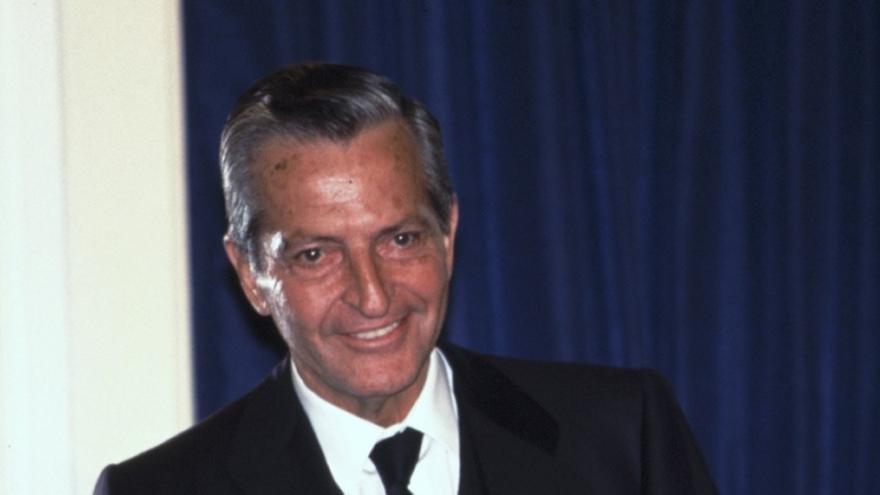 El alcalde de Ávila felicita en nombre de la ciudad a Adolfo Suárez en su 80 cumpleaños