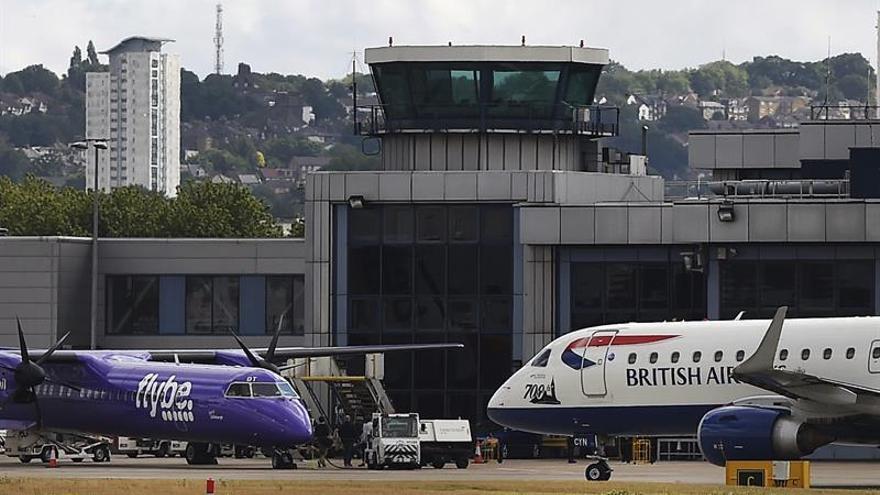 """Evacúan el London City Airport tras producirse un incidente de tipo """"químico"""""""