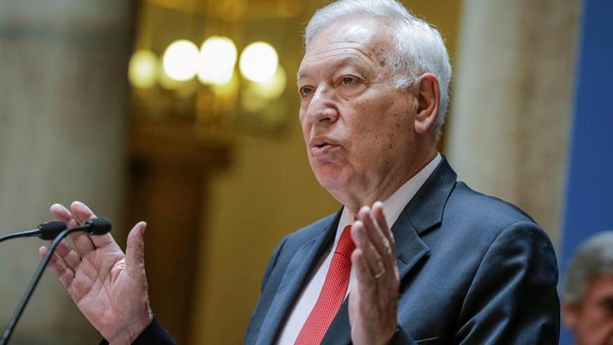 Margallo dice que llegado el momento sería partidario de primarias en el PP