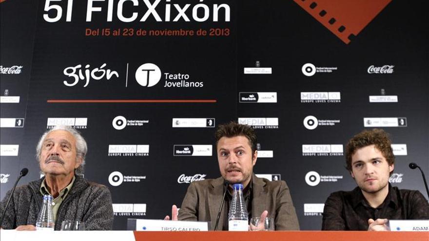 Tirso Calero rinde homenaje a los actores del cine clásico en Blockbuster
