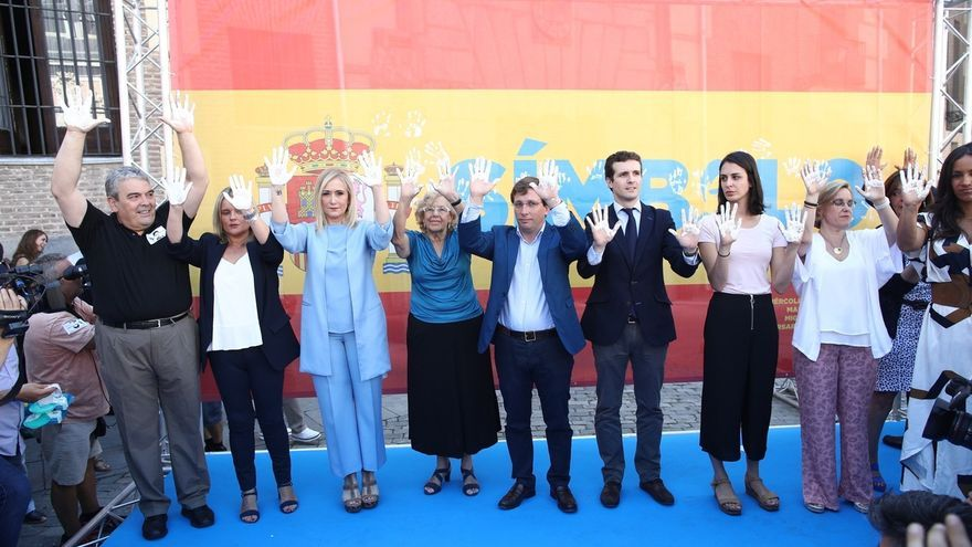"""Marimar Blanco ante Manuela Carmena: """"Te pido que coloques la imagen de mi hermano que representa a todas las víctimas"""""""
