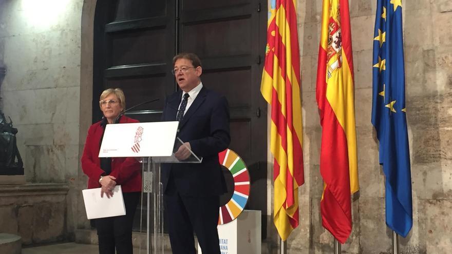 El presidente del Consell, Ximo Puig, junto a la consellera de Sanitat, Ana Barceló