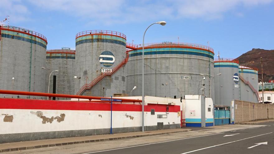 Depósitos de Petrologis en el Puerto de La Luz y de Las Palmas. (ALEJANDRO RAMOS)