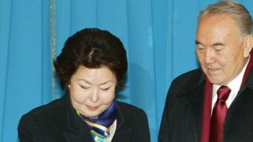 El Parlamento kazajo nombra al presidente Nazarbayev 'Líder' de por vida