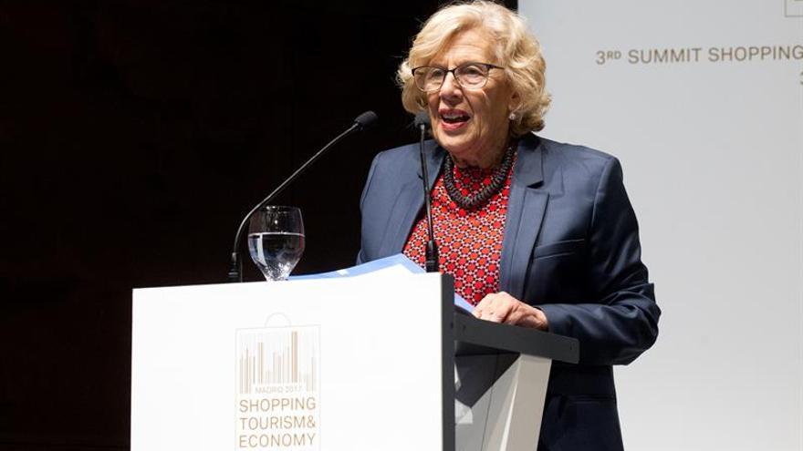 """Carmena critica el """"poco tacto"""" de convertir en escándalo una """"noticia falsa"""""""