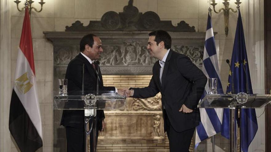 Al Sisi pide el apoyo de Europa para evitar el paso de armas en la frontera con Libia