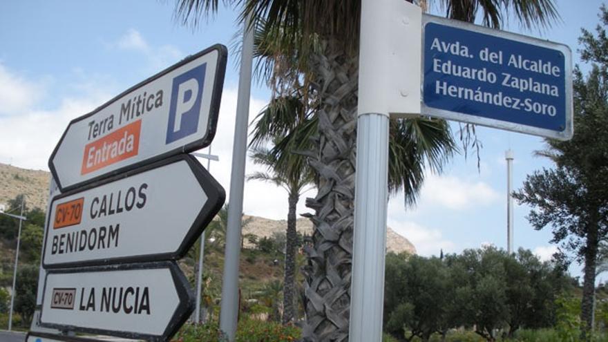 Placa de la Avenida Alcalde Eduardo Zaplana Hernández-Soro