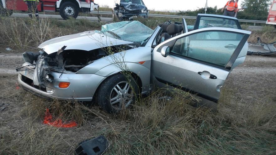 Un conductor de 42 años herido grave en una colisión ocurrida en Marcilla