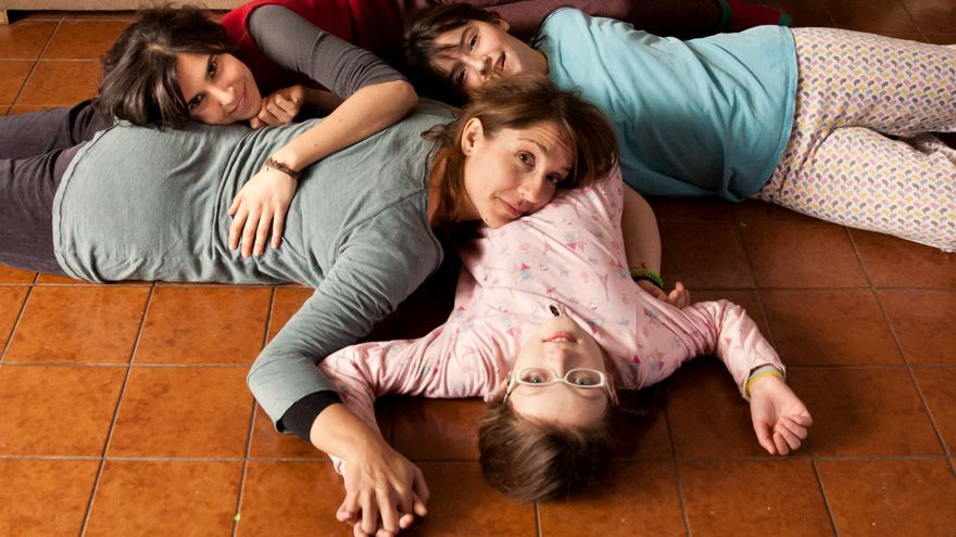 Fotograma de la película 'Rara'