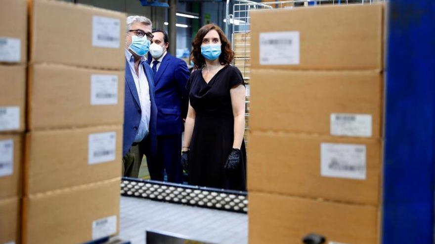 La Comunidad de Madrid recibe un cargamento de 2 millones de mascarillas