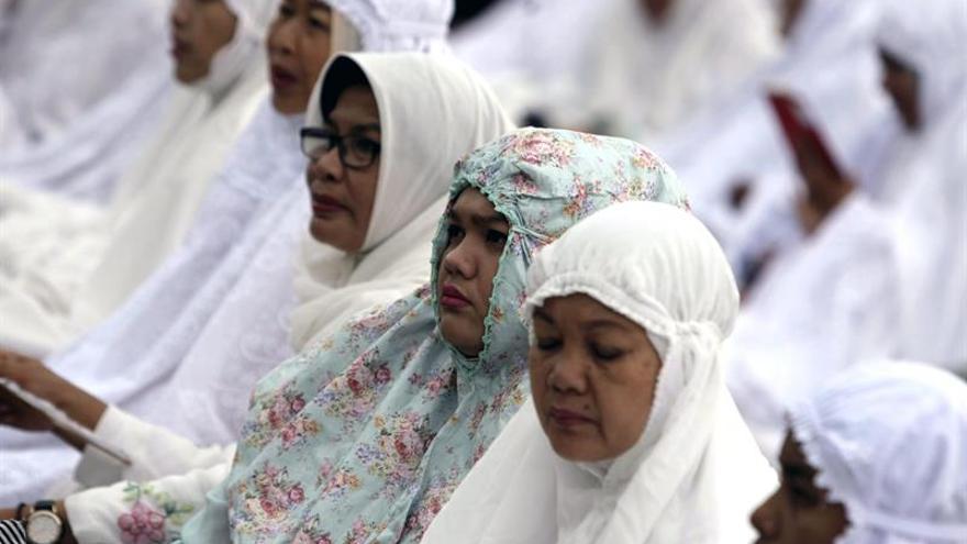Una región indonesia exige saber leer el Corán a los candidatos a las elecciones