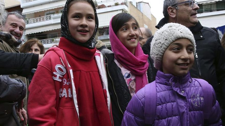 Grecia admite importantes retrasos en la escolarización de niños refugiados