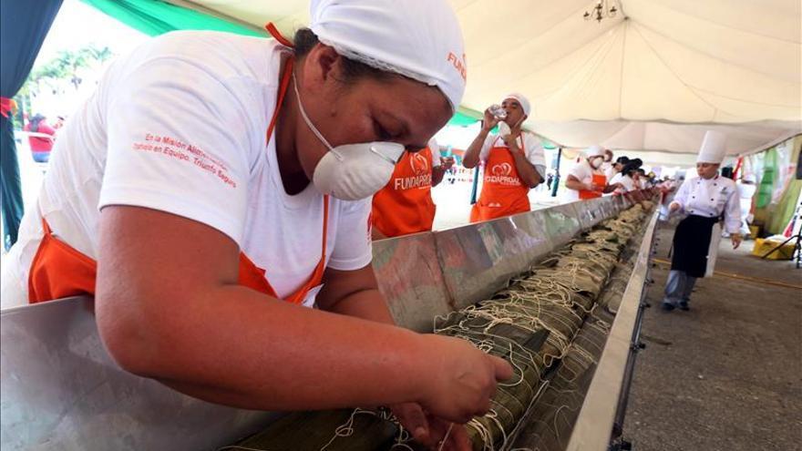 El Gobierno de Maduro gana récord Guinness con bebida y alimentos navideños