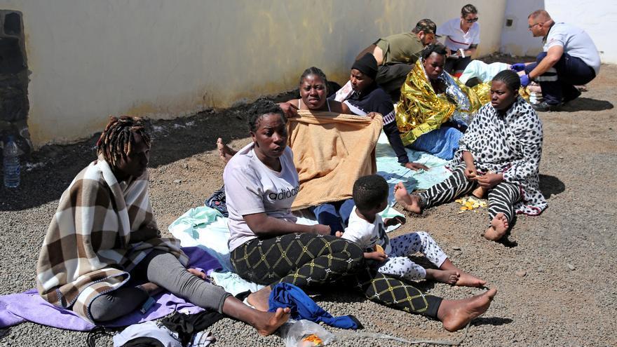 Mujeres llegadas en patera a Canarias en febrero de 2020