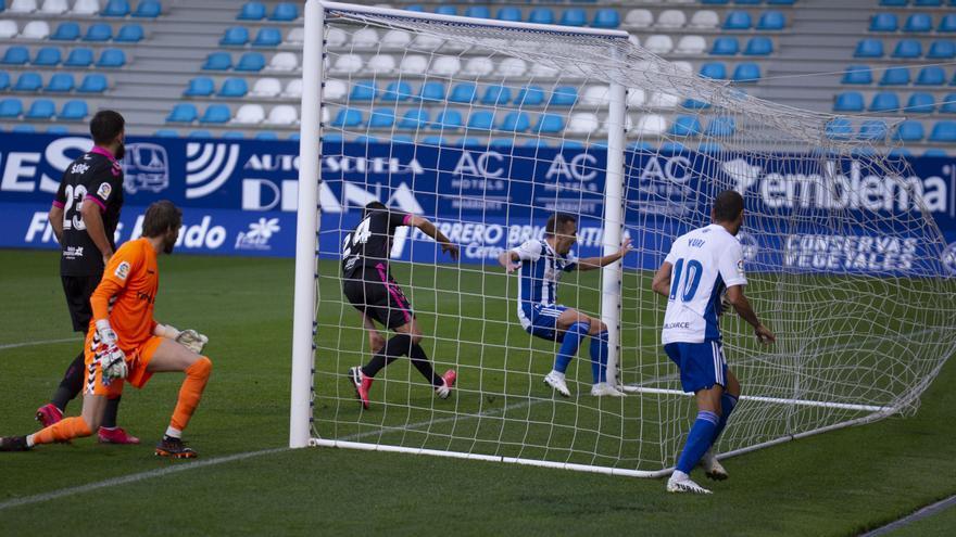 El Tenerife no le puede a la Ponferradina ni de penalti