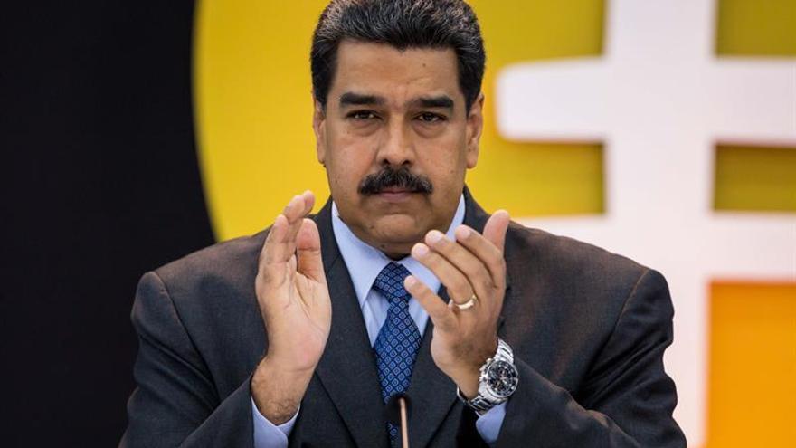 Venezuela, ante inminente devaluación de 95,8 % con unificación cambiaria