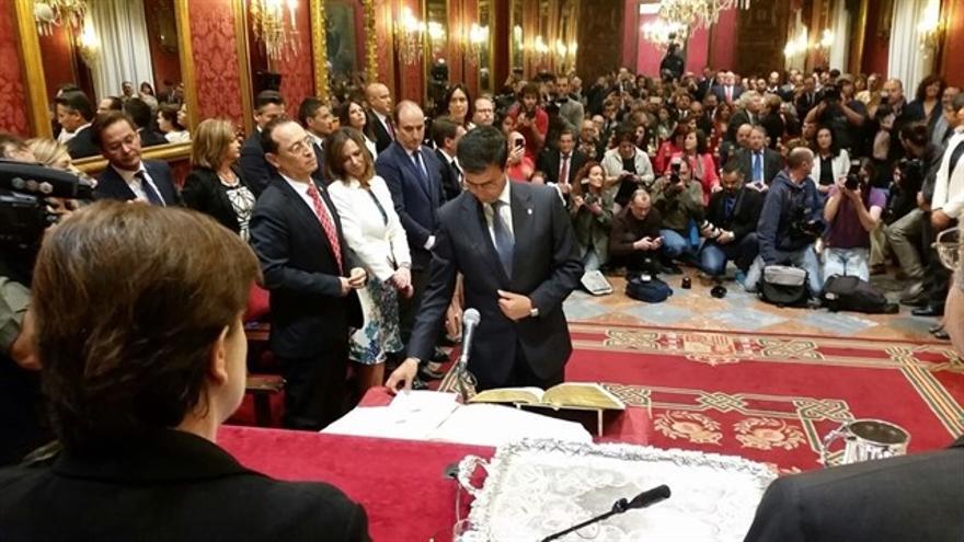 Acto de la toma de posesión de Francisco Cuenca (PSOE) como alcalde de Granada