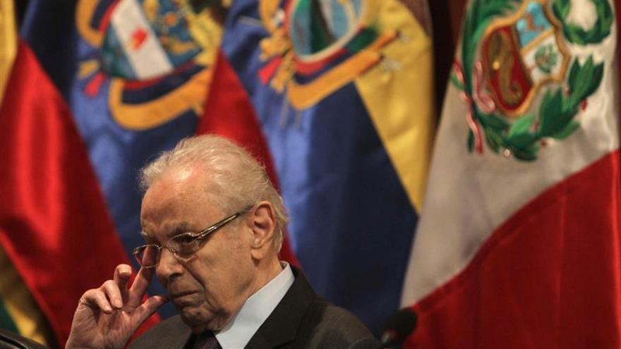 Javier Pérez de Cuellar apoya a Kuczynski en los comicios presidenciales de Perú