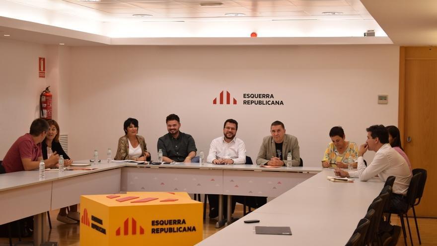 ERC y Bildu acercan posiciones para alcanzar un posicionamiento conjunto de cara a la investidura de Sánchez