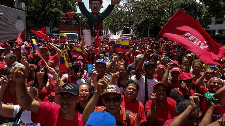 Chavistas se concentran en Caracas para conmemorar el fallido golpe de 2002