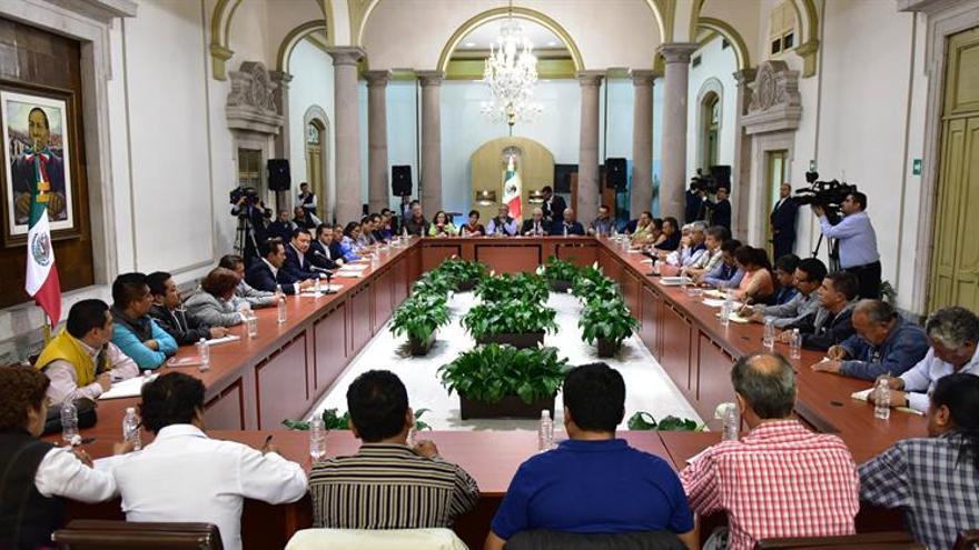 El Gobierno mexicano y los maestros sostienen una nueva reunión en busca de acuerdo