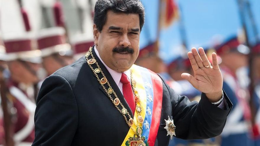 Maduro califica de inconstitucional la consulta impulsada por la oposición