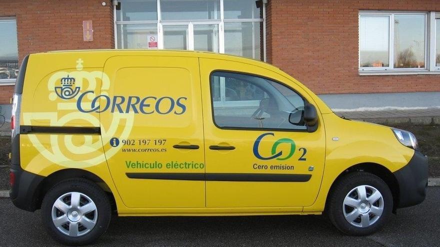 Una furgoneta de Correos.