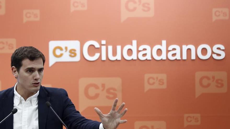 Rivera no aspira a que Puigdemont deje independentismo pero sí que dialogue