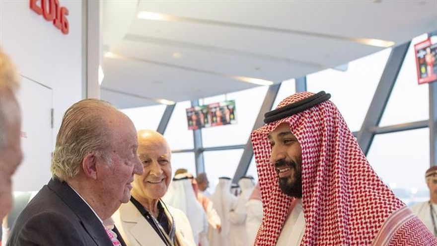 Podemos e IU censuran el saludo del rey Juan Carlos al heredero saudí