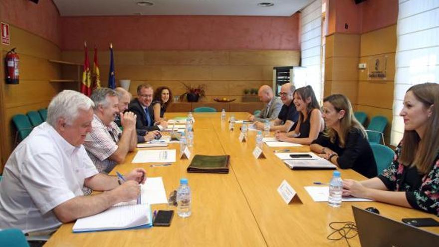Una de las reuniones de la Comisión de Coordinación del Plan de Garantías Ciudadanas