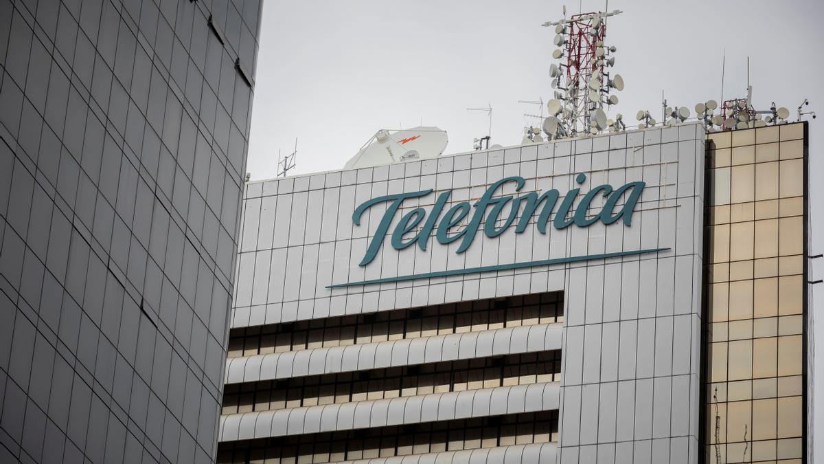 Vista de un edificio de Telefónica. EFE/RAYNER PEÑA R/Archivo