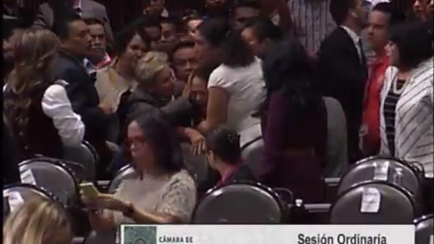 La diputada mexicana Carmen Medel Palma se enteró en plena sesión del asesinato de su hija