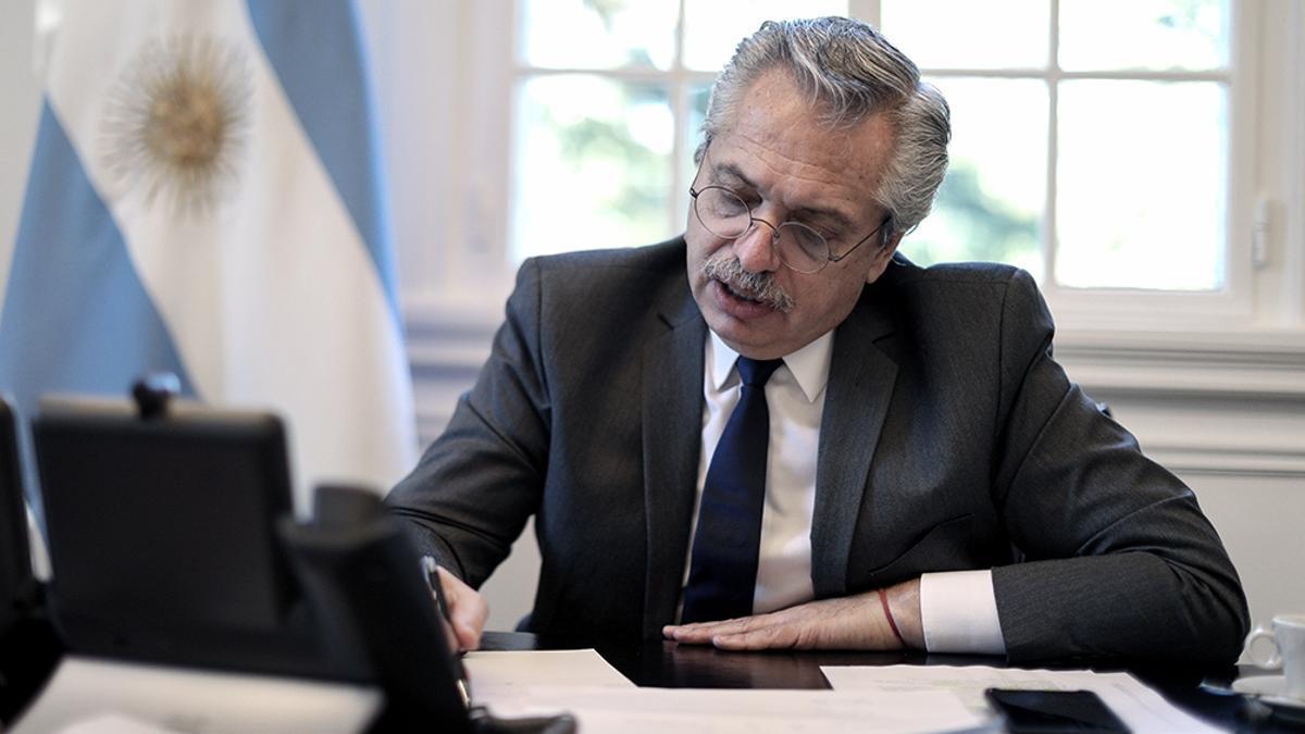 Presidente Fernández en su oficina en la Quinta de Olivos