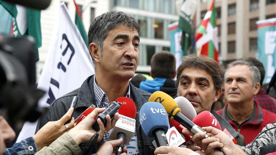Ertzainas ven una muerte violenta la de su compañero en los sucesos de Bilbao