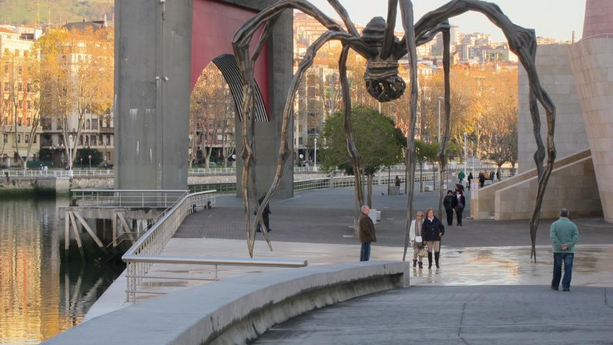 Euskadi cierra 2013 con una caída de viajeros del 2,1% y del 3,1% en las pernoctaciones