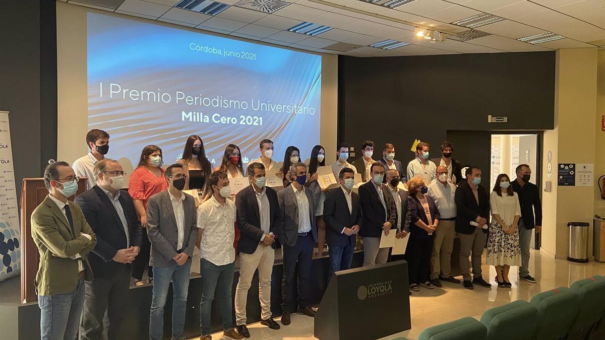Los galardonados con los los I Premios de Periodismo Universitario 'Milla Cero' 2021.