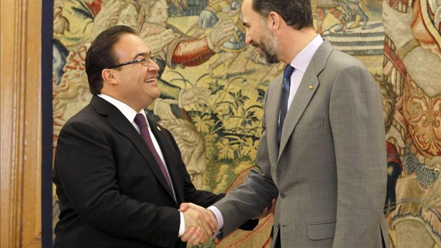 El gobernador de Veracruz expone al Príncipe su interés en atraer inversiones