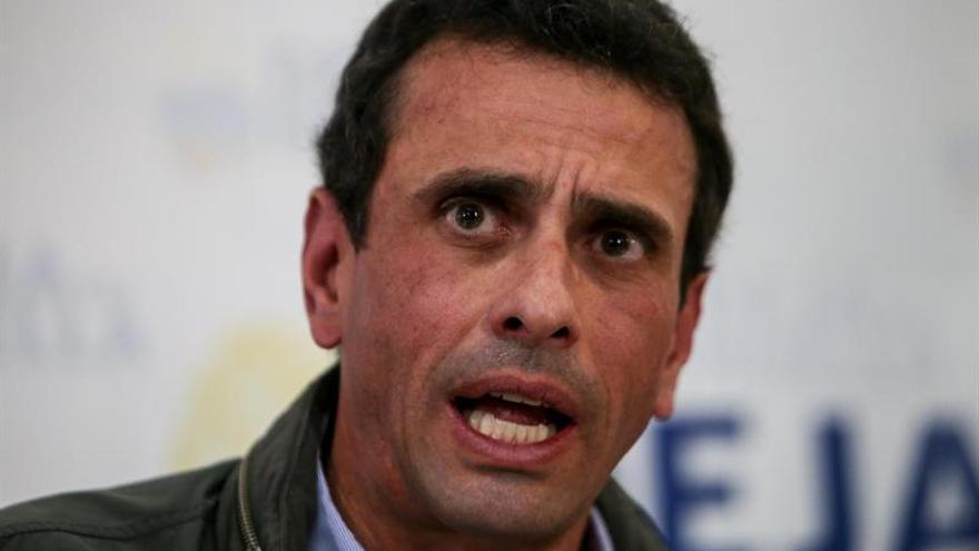 """Capriles dice que el Gobierno venezolano hará """"locuras"""" en las próximas horas"""