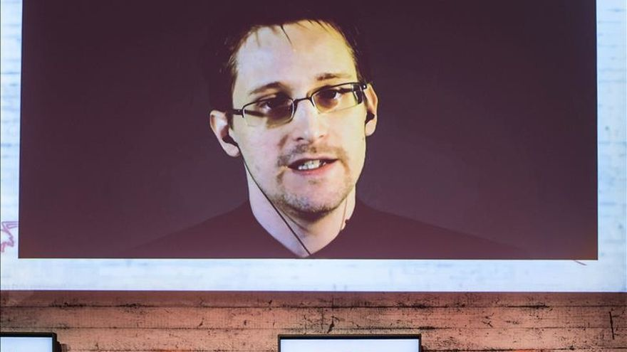 Snowden felicita a España por acabar con el bipartidismo en las elecciones