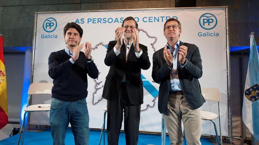 """Rajoy arremete contra Sánchez y Rivera y subraya que el 26J ganará el """"rigor"""""""