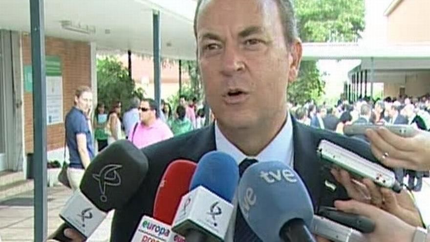"""Monago recuerda que Artur Mas juró """"cumplimiento de la Constitución"""" y aplaude que Rajoy defienda que """"la ley es la ley"""""""
