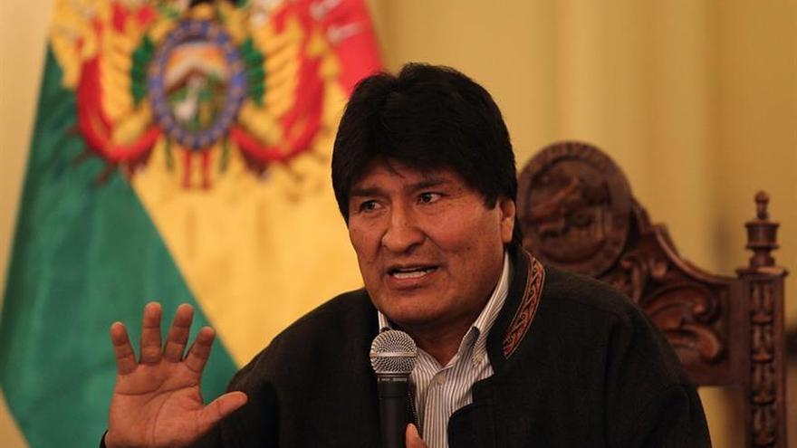 Evo Morales se solidariza con Chile por el terremoto y ofrece prestar ayuda