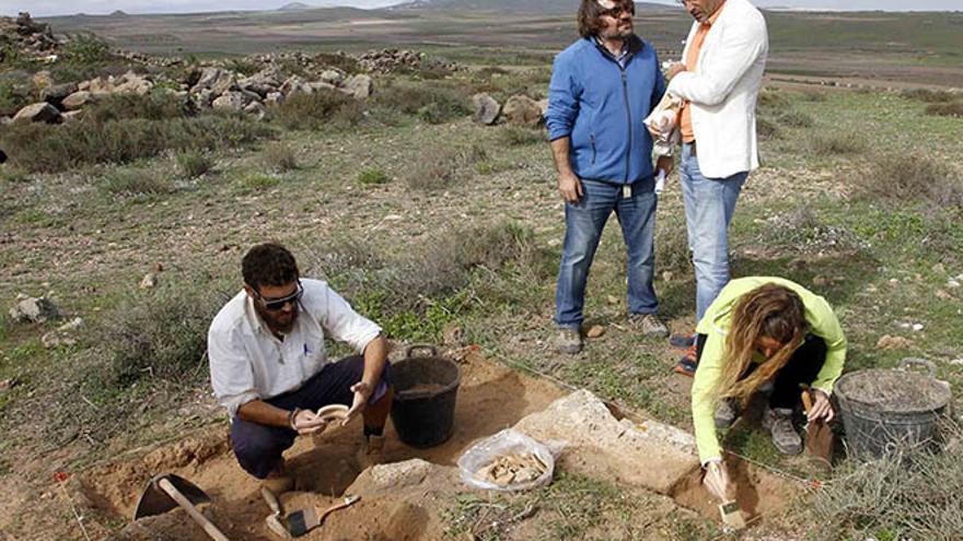 Encontrados nuevos restos arqueológicos en Zonzamas y los esqueletos de dos niños