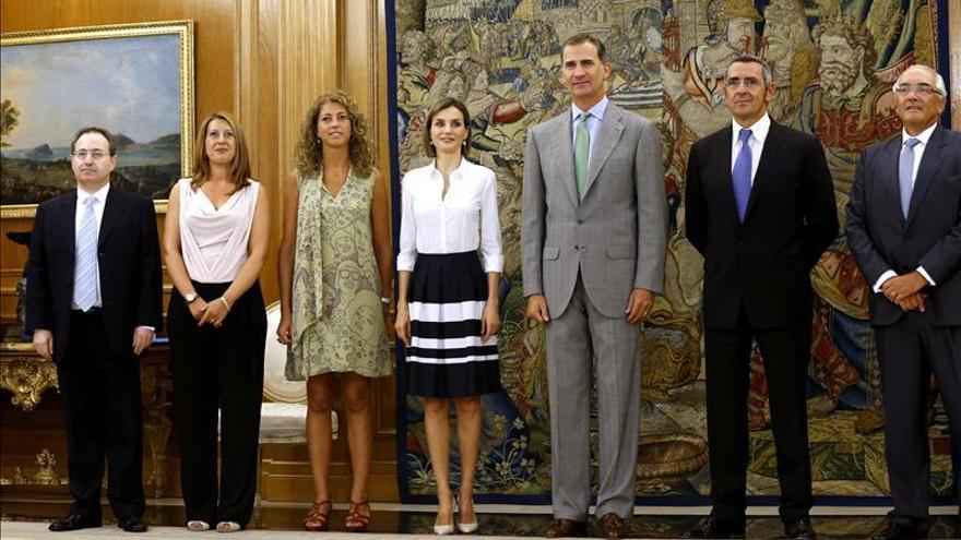 Los Reyes se reúnen con la industria cultural que rechaza la subida del IVA