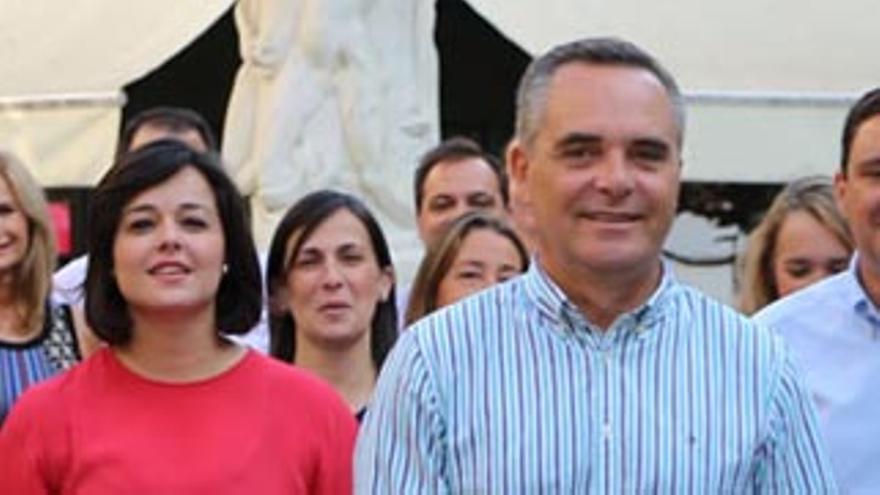 Virginia Pérez y Juan Bueno. (Fotografía: PP de Sevilla)