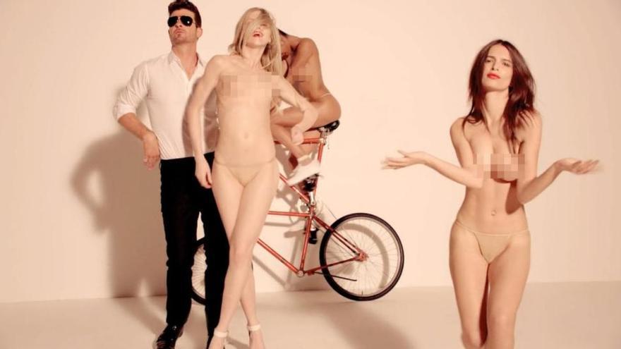 Fotograma del video de 'Blurred Lines'