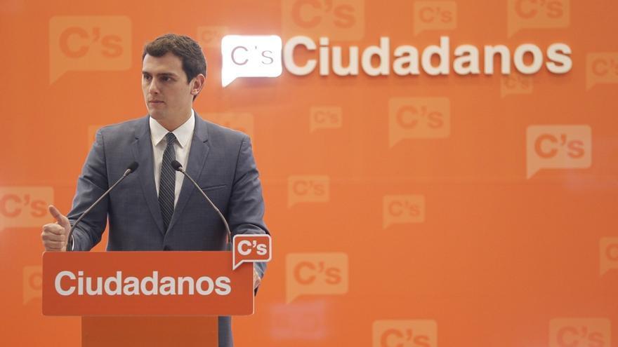 """Rivera afirma que Puigdemont es un """"irresponsable"""" pero pide """"proporcionalidad"""" al Gobierno de Rajoy"""