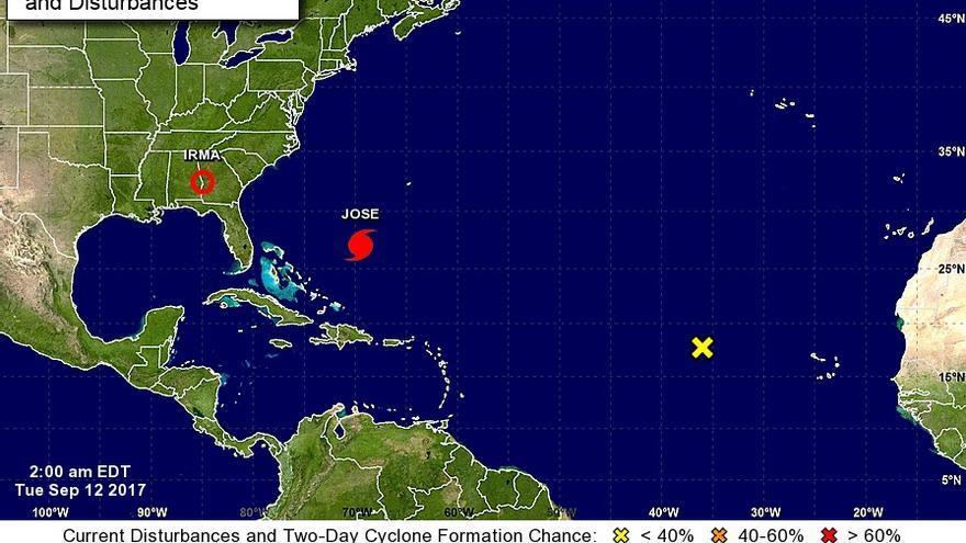 Situación de Irma, ahora depresión tropical, y el huracán Jose en la página del el Centro Nacional de Huracanes (NHC).